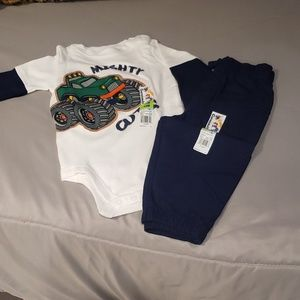 Other - Brand New Onesie w/Pants Size 12 Months